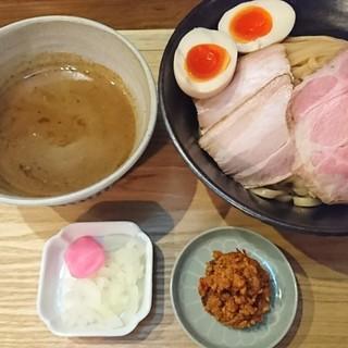 いかれたヌードル フィッシュトンズ - 料理写真:特製つけ麺大♪