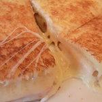 モーリス カフェ - チーズがよく伸びる