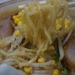 菊亭 - 味噌チャーシューメンの麺アップ