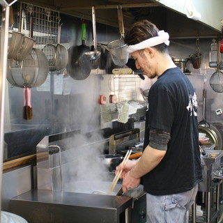 大将こだわりのスープ‼︎骨のみを長時間炊き込んで作っています