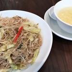 78932352 - 福建風焼きビーフン&スープ