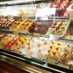 洋菓子のファームソレイユ - ケーキたち