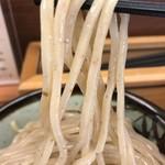 78938745 - 【2018.1.2】煮番搾りの太麺。