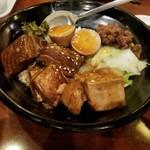 台南担仔麺 - 魯肉飯