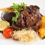 お肉と魚と貝のどれもこれも - 牛ホホ肉の赤ワイン煮込み