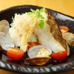 お肉と魚と貝のどれもこれも - 真鯛のアクアパッツァ