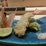 鮨 しゅんぺい - 車海老とブロッコリーの天ぷら