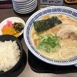 清陽軒 - 料理写真:屋台仕込みラーメン=580円 小ごはん=120円