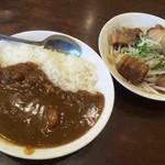 東京ラーメン 大番 - 半カレー、豚角煮