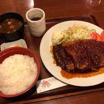 なるみ - 味噌カツ定食 980円