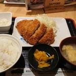 串鳥 - トンカツ定食(ツボ漬、ポテサラ)