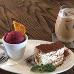 扇屋カフェ - 料理写真:デザート2種盛りとアイスカプチーノ
