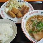 懸橋 - 料理写真:Cセット(カキフライ、唐揚げ、小ラーメン、ライス)