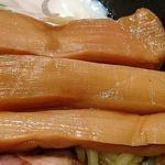 78964191 - 蜻蛉 @平和島 淡麗油そばにトッピングされる軽く歯応えを残した煮上がりの太切りメンマ
