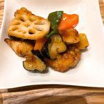 九州 弁天堂 - 白身魚とごろごろ野菜の中華黒酢あん