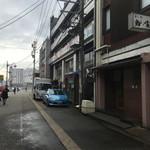 78971082 - 外観、道路の先は高岡駅