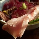 緑水門 - 生マグロ丼