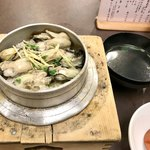鳥ぎん - 牡蠣釜めし990円(お吸い物、漬物付き)