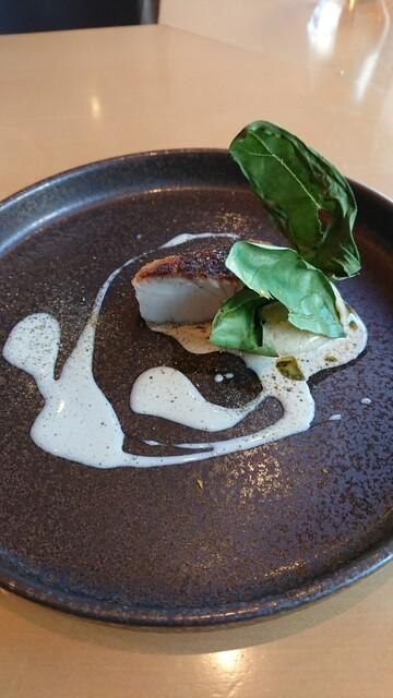 テアトロ ディ マッサ - 真鯛、ほうれん草、芋