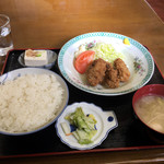 竹山食堂 - カキフライ定食880円