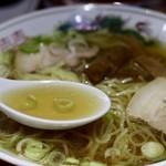 松楽 - あっさり醤油スープ