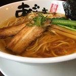 麺屋あごすけ - 醤油。こちらも上品。絶品。スープの旨味が凄い