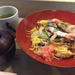 すし丸本店 - 酢じめのお魚やタコなど、お酢がよくきいたおすしです。