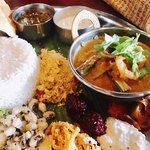 Spice&Dining KALA - ココナッツサンボルもあるよ!