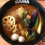 SAMA - チキン野菜カリー(エビスープ、7辛)