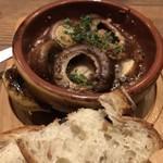 Italian Kitchen VANSAN - ブラウンマッシュルームのアヒージョ! ★★★★☆