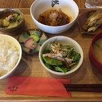 城下公会堂 - 週替わり定食@900(白菜たっぷり煮込みハンバーグ)