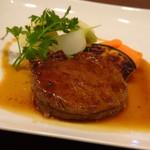 ビストロシュン - ◆オージービーフのフィレ。 柔らかいですねぇ。オージービーフも昔に比べ美味しくなりましたね。