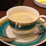 ビストロシュン - ドリンクは数種類から選べますので珈琲を。 ◆こちらの珈琲は以前から美味しい。量もタップリ。