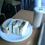 ハーバーズカフェ - カツサンドとアイスカフェラテ