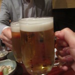 """海蔵 - まずは""""生ビール""""で乾杯!"""