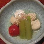 海蔵 - お通し(タラの卵、蕗、蕪の煮物)