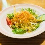 カトマンズ - セットのサラダ