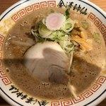 金澤濃厚豚骨ラーメン 神仙 - 金沢味噌らーめん 850円。