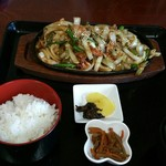 れすとらん 力亭 - スタミナ焼き(玉ねぎピーマン豚肉)を定食で