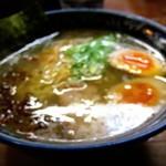 麺工房 隠國 - 変化球の隠国塩+燻玉