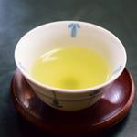 芳味亭 - 緑茶