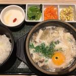 東京純豆腐 - ノンスパイシーを選べるのが嬉しい。 デザートも美味しかったです。