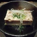 小田原おでん本店 - 焼き豆腐のネギ塩260円