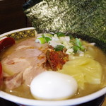 すごい煮干ラーメン凪 - すごい煮干しラーメン