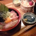 呑み食い処 源ちゃん - ぶりトロユッケ丼