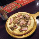 79029101 - 【ランチ】 トントロとキノコのピザ \750