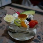 パーラーレストラン モモヤ - プリンアラモード