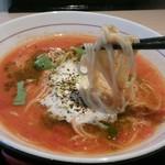 拉麺開花 - トマトクリームラーメンの麺