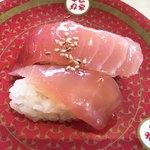 はま寿司 - 漬けマグロ、、これ嫁が食べたやつ。なぜかこれだけ撮影してた。。