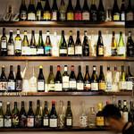 スペイン料理と自然派ワイン LUZ - 内観写真: